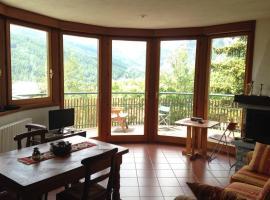 Luxury Apartment with View, appartamento a Bardonecchia