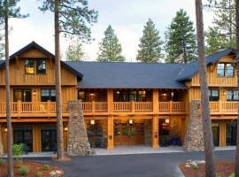 FivePine Lodge, hotel in Sisters