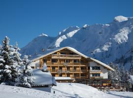 Hotel & Chalet Montana, hotel in Lech am Arlberg