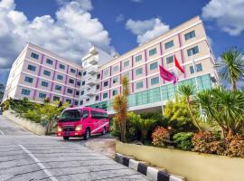 favehotel MT. Haryono - Balikpapan, hotel near Sultan Aji Muhammad Sulaiman International Airport - BPN, Balikpapan