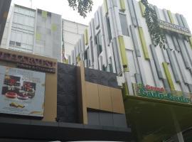 MaxoneHotels.com at Kramat, hotel near Jatinegara Train Station, Jakarta