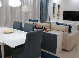 Elegant Modern Blue Apartment, apartment in Praia