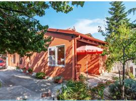 House Suzi, holiday home in Zadar