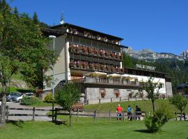 Hotel Val Di Fassa, hotel in Soraga