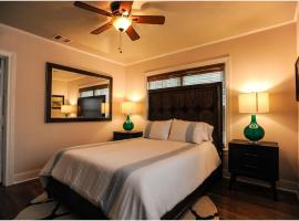 The Coyle Cabin, vacation rental in Houston