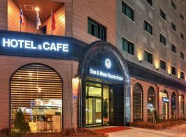 Sea Moon Tourist Hotel, hotel in Incheon