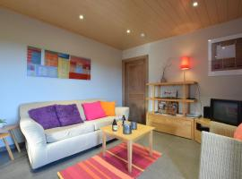 Peaceful Cottage in Ardennes with Private Terrace, hotel in Bastogne