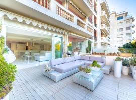 Appartement l'Age d'Or, hotel with jacuzzis in Cannes
