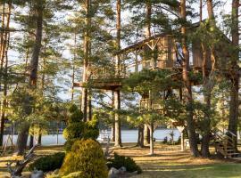 Treehouse Čiekurs, vacation home in Duķuri