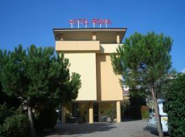 Hotel Roma, hotel cerca de Complejo termal Aquardens, Bussolengo