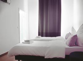 dingdong bonn - city apartments, hotel near Bonner Kuenstlerhaus, Bonn