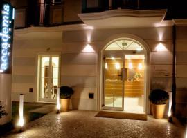 Accademia Hotel, отель в Римини