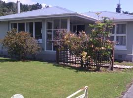 Holiday Home Greymouth, B&B in Greymouth