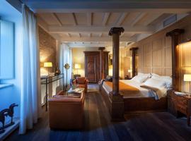 Relais & Chateaux Palazzo Seneca, hôtel à Norcia
