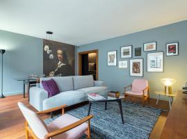 Stella - 2 chambres-balcon-place république-air conditionné, budget hotel in Lyon