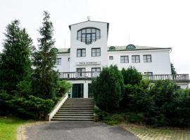 Spa Resort Libverda - Hotel Panorama – hotel w pobliżu miejsca Zamek Czocha w mieście Lázně Libverda
