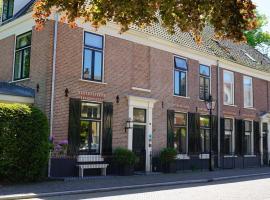Room One-Twenty-One, B&B in Naarden