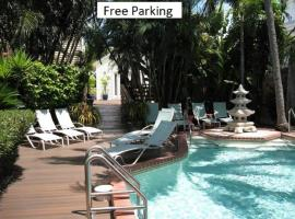 Douglas House, guest house in Key West