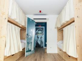 We Hostel Palma - Albergue Juvenil, budget hotel in Palma de Mallorca