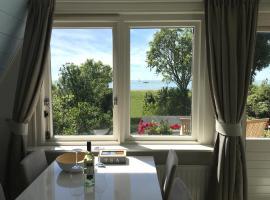 Slapen aan het IJsselmeer, hotel near Stavoren Station, Stavoren