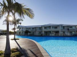 Oaks Port Stephens Pacific Blue Resort, apartment in Salamander Bay