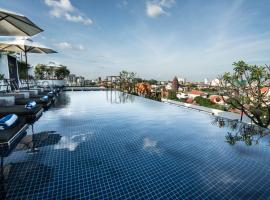 PATIO Hotel & Urban Resort, hotel i Phnom Penh
