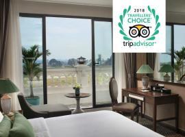 Ninh Binh Hidden Charm Hotel & Resort, hôtel à Ninh Binh