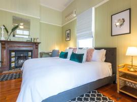 99 Kirkland Bed & Breakfast, B&B in Brisbane