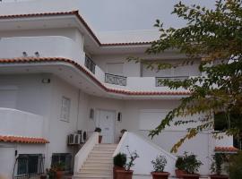 Beach House Villa, hotel in Nea Makri