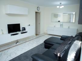 Apartamento Ideal 2, hotel with pools in Lisbon