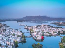 Oolala - Your lake house in the center of Udaipur, hotel near Saheliyon Ki bari, Udaipur