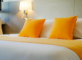 Kyriad Lille - Roncq, hotel in Roncq