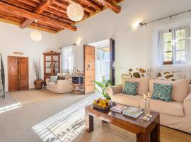 Agroturismo Can Prats, farm stay in Sant Carles de Peralta