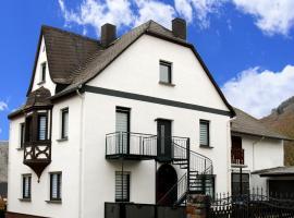 Ferienwohnungen Fuhrmann-Burg, Ferienwohnung in Ellenz-Poltersdorf