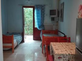 Route 66 Arizona 7, pet-friendly hotel in Rethymno Town