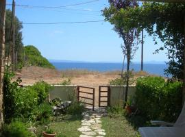 House in Front of the Sea, country house in Nea Fokea