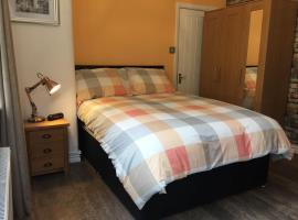 Cosy Apartment in Private Courtyard, hotel near Royal Preston Hospital, Preston