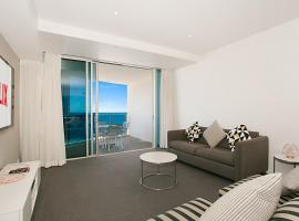 Number 1 H Luxury Residence - Netflix, WiFi + More, apartment in Gold Coast