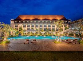 eL Hotel Royale Banyuwangi, spa hotel in Banyuwangi