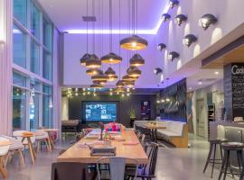 Moxy Milan Malpensa Airport, hotel in Case Nuove
