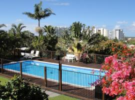Villa with Views & Pool, pet-friendly hotel in Gold Coast