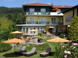 WUNDER s - Ferienpension & Apartment, Hotel in der Nähe von: Sommerrodelbahn Moosburg, Pörtschach am Wörthersee