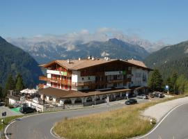Hotel Bellavista, hotel in Canazei