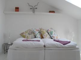 Casa Kruttornet & Villa Fiskarporten, hotell nära Wisby Strand, Visby