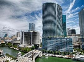 Luxury 5star Condo at 34th floor Icon Brickell 1 bed one bath, hotel near Bayfront Park, Miami