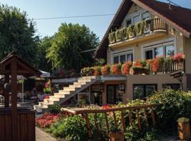 Sarokhaz Panzio, hotel near Budapest Ferenc Liszt International Airport - BUD,