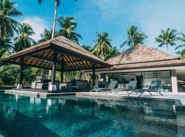 Le Motu, resort village in Taling Ngam Beach
