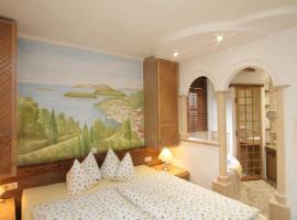 Haus Sonnenschein, hotel near Neuschwanstein Castle, Grainau