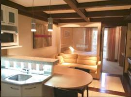 Lindo Studio no Mountain Village, hotel with jacuzzis in Canela