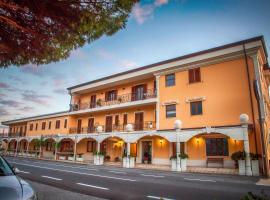 Palmed Hotel, hotell nära Lamezia Terme internationella flygplats - SUF, Gizzeria